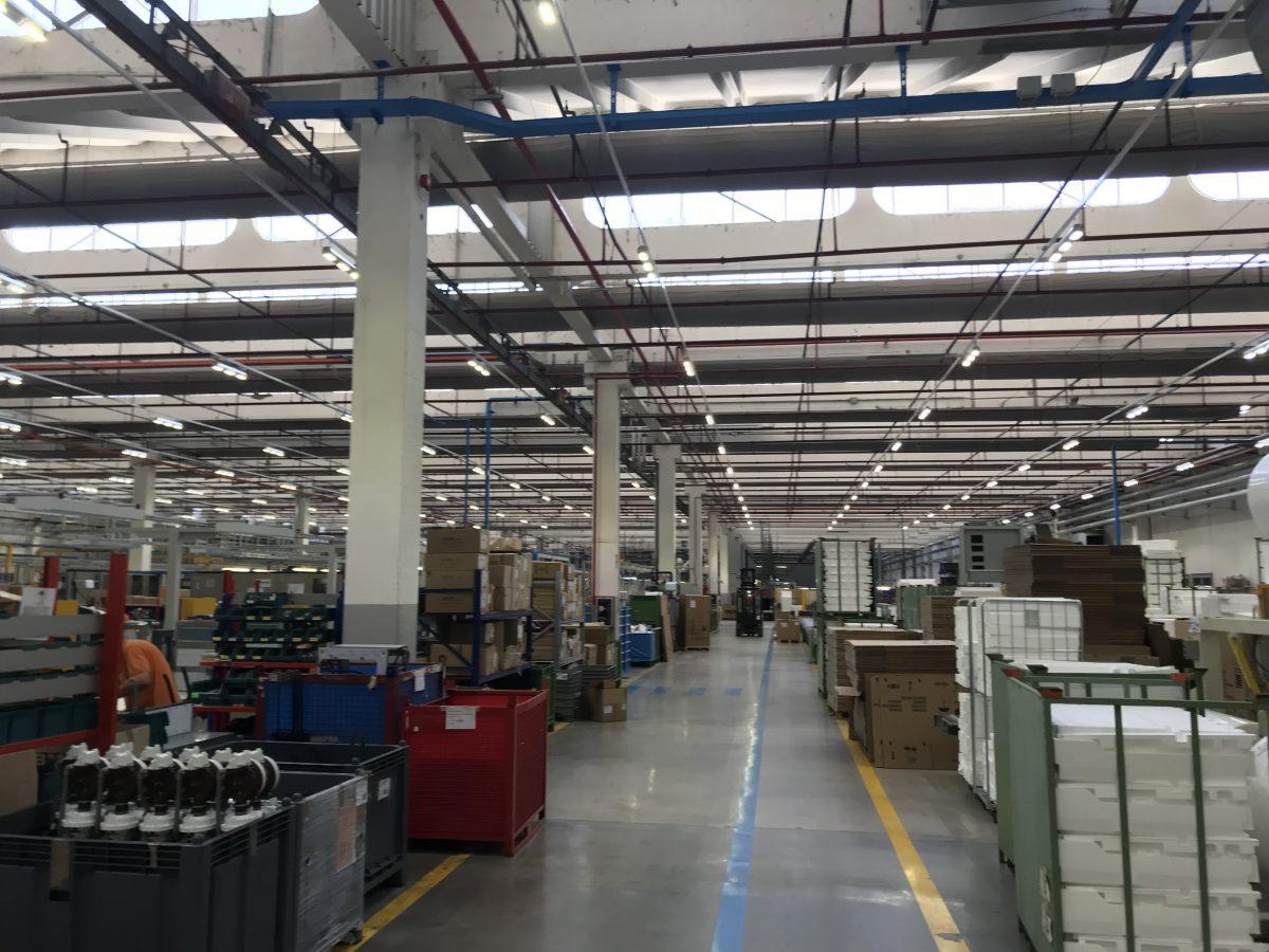 Illuminazione capannoni industriali lampade a led