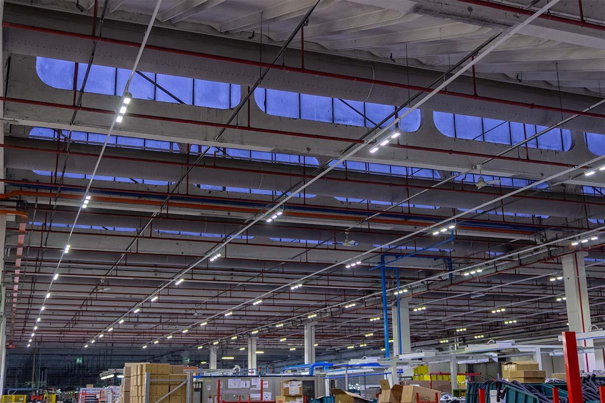 Impianto Illuminazione Capannone con Plafoniere LED Industriali Clean 2.0